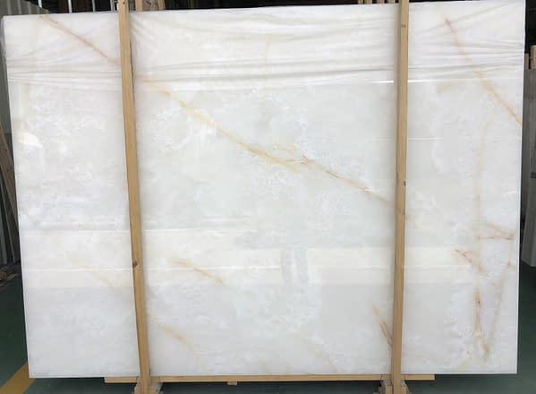 white onyx